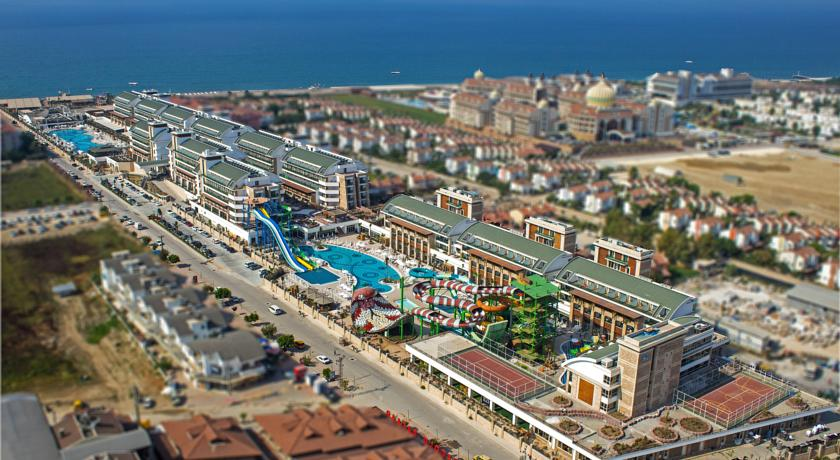 Sejur Antalya 5***** Crystal Waterworld Resort & Spa zbor  Charter cu taxe incluse
