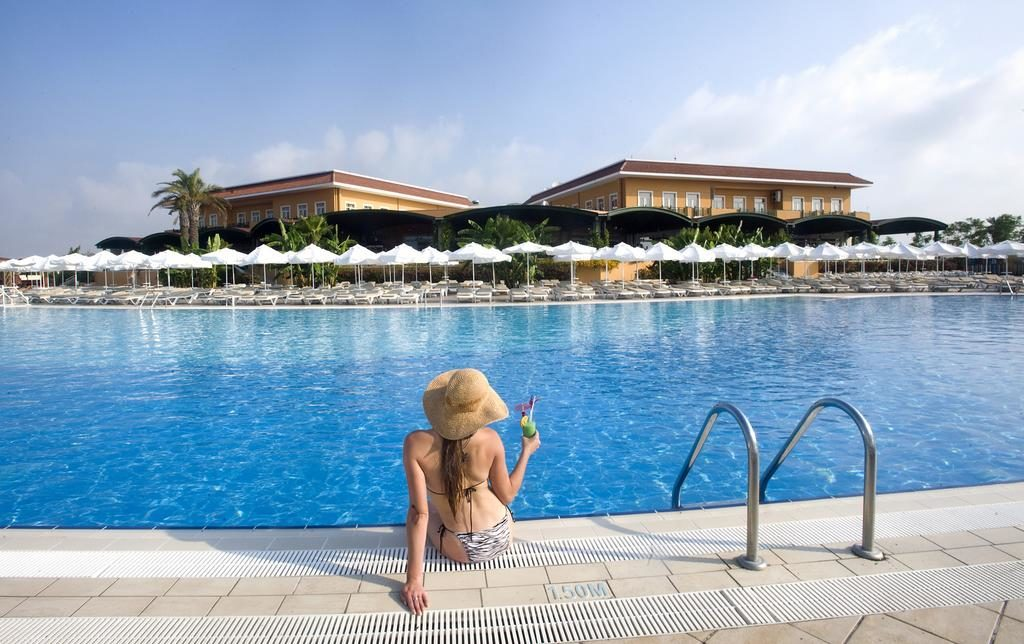 Early Booking Antalya 2019 Hotel Crystal Paraiso Verde Resort & SPA  5***** Ultra all inclusive Zbor charter din Otopeni cu toate taxele incluse